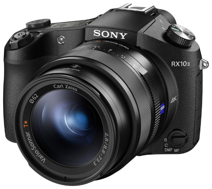Компактный фотоаппарат Sony Cyber-shot DSC-RX10M2продвинутая фотокамера, матрица 21 МП (1), съемка видео 4K, оптический зум 8.30x, поворотный экран 3, Wi-Fi, вес камеры 813 г, режим макросъемки<br><br>Вес кг: 0.80000000