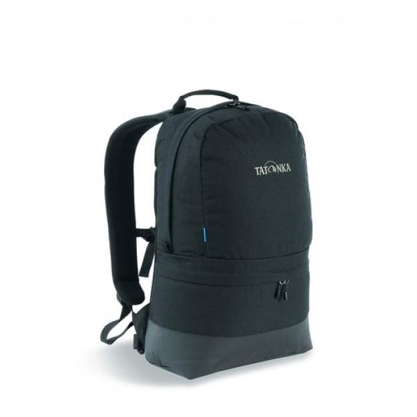 Рюкзак Tatonka Hiker Bag 21 blackГородской рюкзак в стиле ретро Tatonka, подойдет для прогулок по городу.<br><br>Оснащен системой подвески Padded Back с S-образными лямками, обтянутыми сеточкой AirMesh и дном из прочного материала Cordura. Внутри имеется съемное промежуточное дно, позволяющее разделить рюкзак на два отделения. Кожаные аппликации придают рюкзаку неповторимый облик.<br>