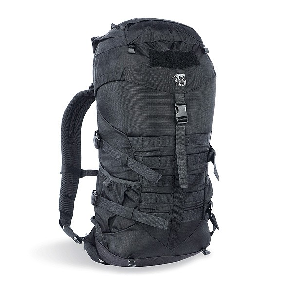 Рюкзак Tasmanian Tiger Trooper Light 22 blackУниверсальный 22-литровый штурмовой рюкзак.<br><br><br>мягкая эргономичная спинка<br><br>мягкие плечевые ремни анатомической формы<br><br>съемный разгрузочный ремень<br><br>компрессионная стропа<br><br>яркая маркировка<br><br>универсальная система MOLLE для навесного оборудования на передней и боковых поверхностях<br><br>системы спины Padded Back<br><br>Вес кг: 0.90000000
