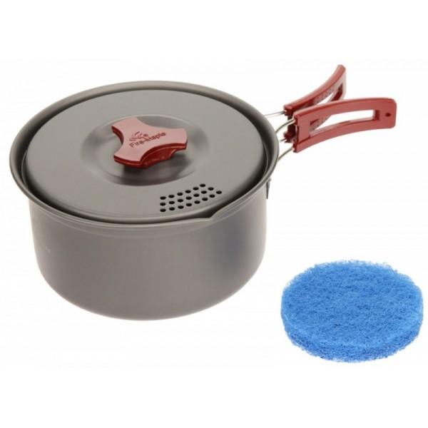 Котелок алюминиевый Fire-Maple FMC-205 на 2-3 человекаКотелок изготовлен из анодированного алюминия. В крышке есть отверстия для предотвращения выливания супа при кипении. В комплект входит губка для мытья посуды. Набор упакован в сетчатый нейлоновый мешочек.<br>