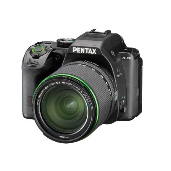 Фотоаппарат Pentax K-S2 Kit 18-135mm WR зеркальныйлюбительская зеркальная фотокамера, байонет Pentax KA/KAF/KAF2, объектив в комплекте, модель уточняйте у продавца, матрица 20.42 МП (APS-C), съемка видео Full HD, поворотный экран 3, Wi-Fi, влагозащищенный корпус, вес камеры без объектива 678 г<br><br>Вес кг: 0.70000000