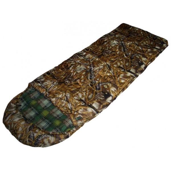 Спальный мешок Prival Привал кмфСпальный мешок ПРИВАЛ КМФ (Prival) – незаменимая модель для комфортного отдыха в межсезонный период. Удобное, практичное одеяло с капюшоном, изготовленное с применением высококачественного наполнителя ФАЙБЕРПЛАСТ, прекрасно сохранит тепло. Специальная застежка на капюшоне защитит лицо от проникновения холодного воздуха. Прекрасно подходит для отдыха на природе с ночёвкой в палатке летом в прохладную и тёплую погоду.<br><br>Вес кг: 2.40000000