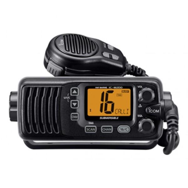 Радиостанция Icom IC-M200 морская  IPX7Морская радиостанция ICOM IC-M200 разработана для активной эксплуатации на различных судах и эффективной коммуникации с сухопутными службами. Высокие аудиохарактеристики модели обеспечиваются динамиком Force5Audio и большой мощностью аудиовыхода (4.5 Вт). Пользоваться рацией можно и в условиях повышенного шума.<br><br>Портативная радиостанция работает в диапазоне всех морских каналов международного значения, поддерживает специальные линии, передающие информацию о погодных условиях в конкретных областях, а также имеет возможность подключения вспомогательных каналов (22). В ICOM IC-M200 реализована функция параллельного слежения за 2-мя или 3-мя каналами. Поэтому работая с определенным каналом, можно одновременно прослушивать и другие.<br><br>За связь с базой в ICOM IC-M200 отвечает функция DSC, позволяющая производить цифровой избирательный вызов и быструю передачу данных о состоянии и местонахождении пользователя. Функция AquaQuake позволяет быстро высушить динамик при попадании рации в воду.<br><br>Вес кг: 0.90000000