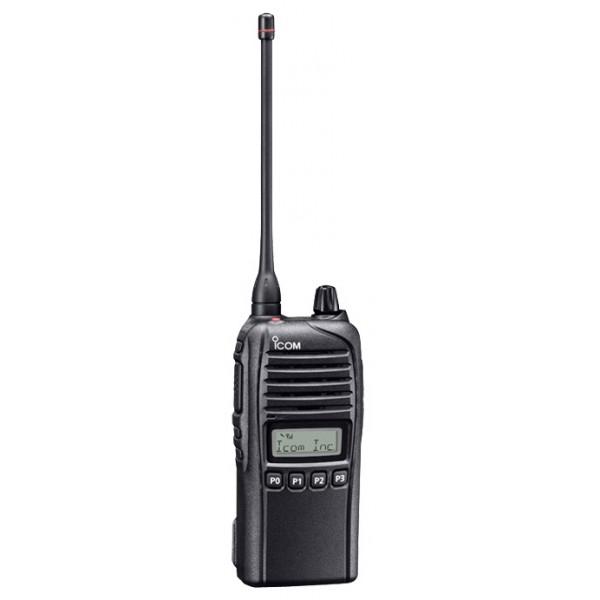 Радиостанция ICOM IC-F3036S портативнаяIcom IC-F3036S — портативная станция Icom с защитой корпуса IP67. Пыле- и водонепроницаемая (защищает от попадания пыли, порошков, влаги, выдерживает до 30 мин. на глубине 1 м). Работает в условиях относительно (по российским меркам) низких и высоких температур, в том числе нагревание прямыми солнечными лучами.<br><br>Радиостанция Icom IC-F3036S имеет функцию сканирования быстрого ответа на сигнал, а также вохможность подачи аварийного сигнала при наступлении заданных обстоятельств.<br><br>Присутствует функция группового и избирательного вызова, шумоподавитель и регулировка мощности. В памяти может храниться до 128 каналов. Переключение рукояткой. Рация совместима с системой Smartrunk II<br><br>Вес кг: 0.35000000