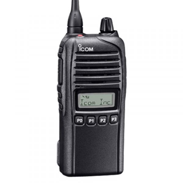 Радиостанция ICOM IC-F4036S портативнаяIcom IC-F4036S — носимая радиостанция Icom с защитой корпуса и аккумулятора IP67. Рация рассчитана на использование в полевых условиях (Средняя полоса, Азия, Сибирь, Дальний восток). Не забивается пылью, устойчива к попаданию влаги.<br><br>Снабжена несколькими функциями сигналинга, памятью на128 каналов, функциями безопасности, сканирования и прослушивания. Если функционал недостаточен, его можно расширить за счет аксессуаров (гарнитуры, маскиратора речи, коммуникатора и т.д.) и ПО (скремблеры, декодер, датчик падения и т.д.). Выбор канала осуществляется клавиатурно, сопровождается звуковым сигналом.<br><br>Вес кг: 0.35000000