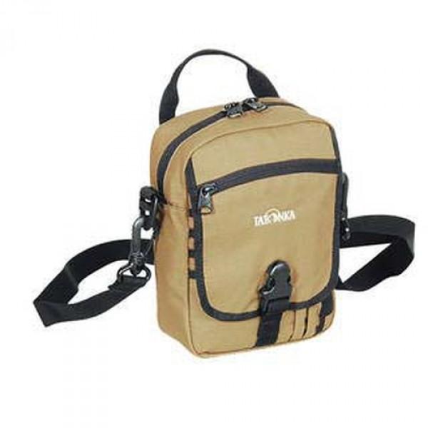 Сумка Tatonka Check in Special tan, 2842.315Идеальная сумочка для хранения документов и полезных мелочей в путешествии. Сумочка Check In , которую можно носить как на плече, так и на поясе, располагает большим основным отделением с двумя молниями , множеством кармашков и мини-органайзером. Крышка-клапан фиксируется фастексом.<br><br><br>петли для переноски на поясе<br><br>съемный плечевой ремень<br><br>ручка для переноски<br><br>прочный материал 450 HD Polyoxford<br><br>Вес кг: 0.24000000