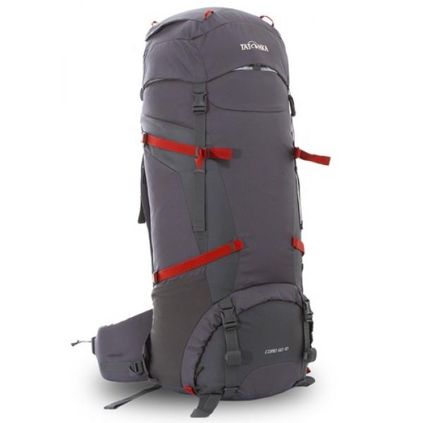 Рюкзак Tatonka Como 60+10 titan greyРюкзак Como 60+10 выполенен в строгом дизайне из прочной ткани Textreme 6.6. Одно просторное отделение позволит с удобством разместить все необходимые в походе или путешествии вещи. Засчет объемной крышки и расширяющегося основного отделения объем рюкзака достигает 70 литров. Прочная удобная спина рюкзака выполнена с учетом анатомических особенностей спины человека, благодаря этому с рюкзаком будет комфортно идти даже в продолжительном походе. Нижнее и основное отделения рюкзака разделены съемной перегородкой на молнии, одним движением их можно соединить между собой или снова разделить. Доступ в основное отделение осуществляется через верхний расширяющийся вход, в нижнее отделение оснащено молнией с двумя бегунками, благодаря чему можно получить доступ к конкретным нужным вещам, не открывая молнию полностью.<br><br><br>Система подвески Y1<br><br>Одно основное отделение, уведичивающееся в объеме в верхней части<br><br>Объемная крышка рюкзака с крючком для ключей<br><br>4 петли на крышке<br><br>Крышка рюкзака регулируется по высоте (до 25 см выше стандартного положения)<br><br>Затяжка внутреннего отделения на один или два шнура, в зависимости от объема заполнения<br><br>4 боковые затяжки позволяют регулировать объем<br><br>Петли для крепления треккинговых палок<br><br>Два боковых просторных кармана<br><br>Широкий плотный набедренный пояс с двумя параметрами регулировки (по ширине и степени прилегания к рюкзаку)<br><br>Регулировка спины рюкзака позволяет отрегулировать высоту лямок, натяжение лямок относительно спины рюкзака<br><br>Спина рюкзака выполнена с учетом анатомических особенностей спины человека<br><br>Сетчатые элементы в спине и набедренном поясе позволяют обеспечить вентиляцицю в жаркую погоду<br><br>Регулируемый по ширине и высоте нагрудный ремень<br><br>В нагрудный ремень вшита резинка для комфорта движения<br><br>Прочная ручка для переноски и помощи при надевании рюкзака<br><br>Молния в нижнее отделение оснащена двумя 