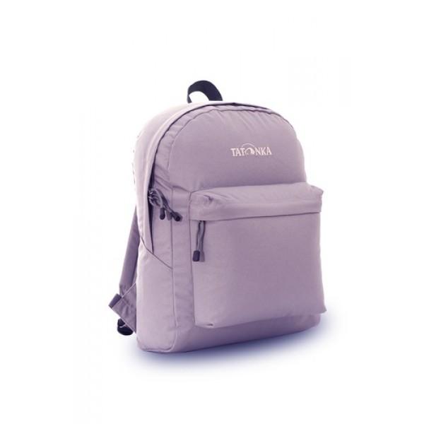Рюкзак Tatonka Hunch Pack 22 warm greyЛегкий городской рюкзак с большим накладным карманом. Hunch Pack - идеальный спутник во время экскурсии по городу или короткого выезда на природу. В основном отделении достаточно места для объемных вещей, а передний карман с небольшим органайзером отлично подойдет для мелких предметов.<br><br><br>Мягкие плечевые лямки, регулирующиеся по длине<br><br>Прочная ручка для переноски<br><br>Два бегунка на основной молнии<br><br>Мини-органайзер в переднем кармане<br><br>Вышитый логотип<br>