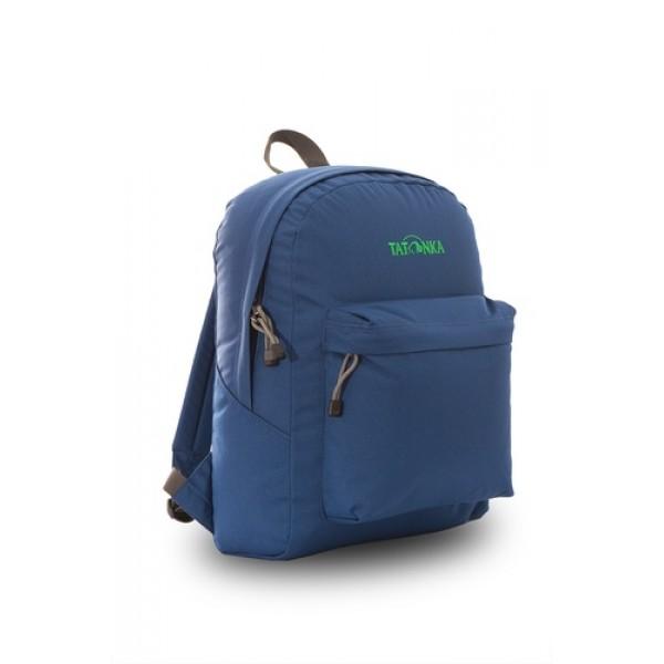 Рюкзак Tatonka Hunch Pack 22 shadow blueЛегкий городской рюкзак с большим накладным карманом. Hunch Pack - идеальный спутник во время экскурсии по городу или короткого выезда на природу. В основном отделении достаточно места для объемных вещей, а передний карман с небольшим органайзером отлично подойдет для мелких предметов.<br><br><br>Мягкие плечевые лямки, регулирующиеся по длине<br><br>Прочная ручка для переноски<br><br>Два бегунка на основной молнии<br><br>Мини-органайзер в переднем кармане<br><br>Вышитый логотип<br><br>Вес кг: 2.50000000