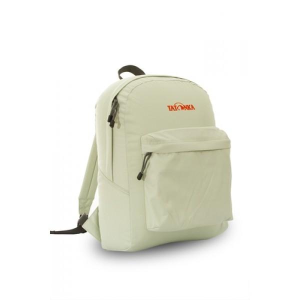Рюкзак Tatonka Hunch Pack 22 silkЛегкий городской рюкзак с большим накладным карманом. Hunch Pack - идеальный спутник во время экскурсии по городу или короткого выезда на природу. В основном отделении достаточно места для объемных вещей, а передний карман с небольшим органайзером отлично подойдет для мелких предметов.<br><br><br>Мягкие плечевые лямки, регулирующиеся по длине<br><br>Прочная ручка для переноски<br><br>Два бегунка на основной молнии<br><br>Мини-органайзер в переднем кармане<br><br>Вышитый логотип<br><br>Вес кг: 0.40000000