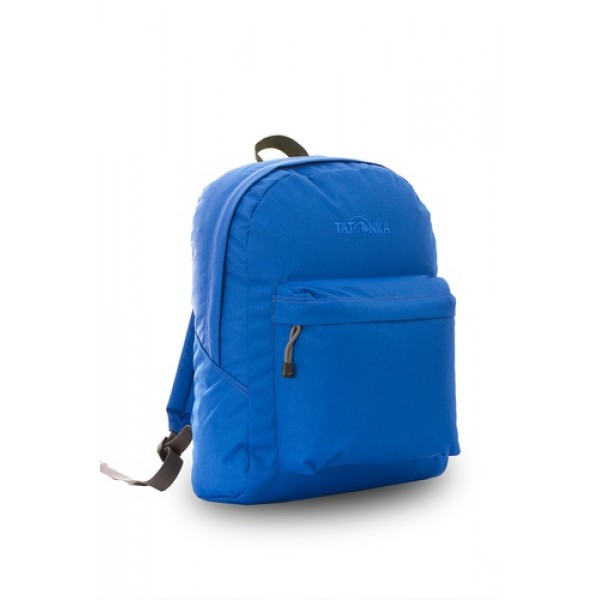 Рюкзак Tatonka Hunch Pack 22 blueЛегкий городской рюкзак с большим накладным карманом. Hunch Pack - идеальный спутник во время экскурсии по городу или короткого выезда на природу. В основном отделении достаточно места для объемных вещей, а передний карман с небольшим органайзером отлично подойдет для мелких предметов.<br><br><br>Мягкие плечевые лямки, регулирующиеся по длине<br><br>Прочная ручка для переноски<br><br>Два бегунка на основной молнии<br><br>Мини-органайзер в переднем кармане<br><br>Вышитый логотип<br><br>Вес кг: 0.40000000