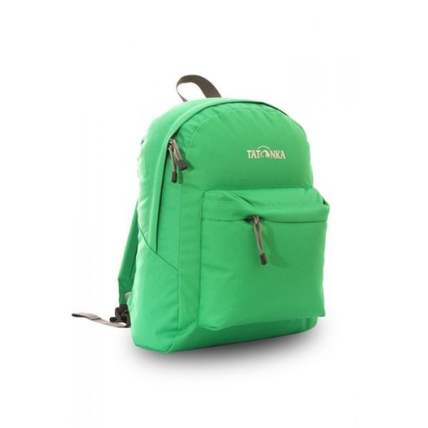 Рюкзак Tatonka Hunch Pack 22 lawn greenЛегкий городской рюкзак с большим накладным карманом. Hunch Pack - идеальный спутник во время экскурсии по городу или короткого выезда на природу. В основном отделении достаточно места для объемных вещей, а передний карман с небольшим органайзером отлично подойдет для мелких предметов.<br><br><br>Мягкие плечевые лямки, регулирующиеся по длине<br><br>Прочная ручка для переноски<br><br>Два бегунка на основной молнии<br><br>Мини-органайзер в переднем кармане<br><br>Вышитый логотип<br><br>Вес кг: 0.40000000