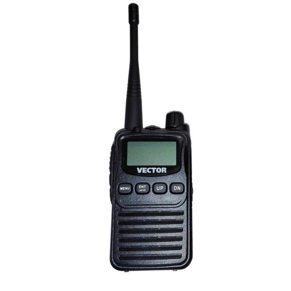 Радиостанция Vector VT-43 R3 гарнитураVector VT-43 R3 - любительская и самая компактная из портативных радиостанций от компании Vector. Корпус рации выполнен из высококачественного пластика на основе из алюминиевого шасси. Вышла взамен, снятой с производства, Vector VT-43 R2.<br><br>Рация Vector VT-43 R3 имеет небольшой дисплей, который делает работу с ней более удобной и интересной. Радиостанция работает в двух диапазонах, которые не требуют лицензий: LPD (69 каналов) и PMR (8 каналов). Диапазон частот 434,075-434,775 МГц. 69 каналов памяти. Мощность передатчика 2 Вт. Аккумулятор Li-Ion1100 mAh, FM приёмник, гарнитура в комплекте.<br><br>Основной отличительной особенностью данной радиостанции от других моделей Vector - это её миниатюрность, радиостанция очень маленькая и лёгкая. Еще одиним немаловажным преимуществом над многим рациями Vector является низкая стоимость.<br><br>Вес кг: 0.40000000