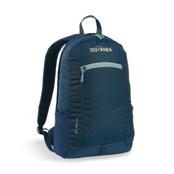 Рюкзак Tatonka City Trail 16 navyCity Trail 16 - аккуратный и удобный рюкзак для города, оснащен боковыми сетчатыми карманами и центральным карманом на молнии, держателем для ключей.<br><br><br>Спинка Padded Back<br><br>Ручка для переноски<br><br>Крючок для ключей<br><br>Петля для крепления фонаря<br><br>Боковые сетчатые карманы<br><br>Центральный карман на молнии<br><br>Внутренний карман в основном отделении<br><br>Вес кг: 0.32000000