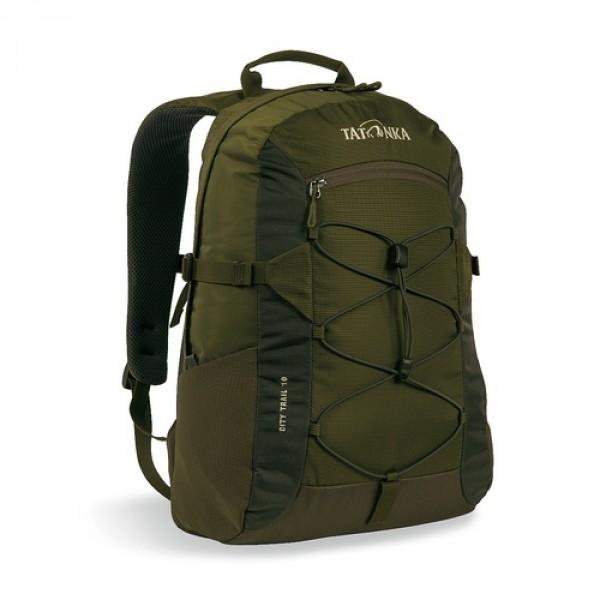 Рюкзак Tatonka City Trail 19 oliveCity Trail 19 идеален для ежедневного использования. Спинка Vent Comfort Back System обеспечит вентиляцию даже в жаркий день. Рюкзак оснащен прилегающим к спине карманом для ноутбука 15,4 дюйма. Карман не доходит до дна рюкзака, таким образом, даже если неаккуратно поставить рюкзак на пол, ноутбук будет в сохранности. Основное отделение закрывается на молнию с двумя бегунками. Эластичная стропа по центру рюкзака позволяет закрепить велошлем или куртку.<br><br><br>Спинка Vent Comfort<br><br>Регулируемый нагрудный ремень<br><br>Компрессионные боковые стропы<br><br>Ручка для переноски<br><br>Удобные лямки анатомической формы<br><br>Крючок для ключей<br><br>Петля для крепления фонаря<br><br>Боковые сетчатые карманы<br><br>Центральный карман на молнии<br><br>Карман для ноутбука<br><br>Зигзагообразная стропа в центральной части<br><br>Небольшой внутренний карман в основном отделении<br><br>Вес кг: 0.56000000