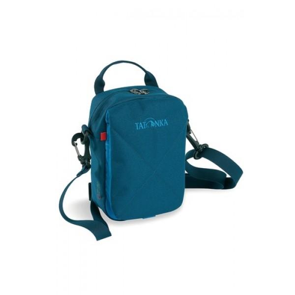 Сумка Tatonka Check In shadow blueПрактичную сумку Check in 2015 можно носить как на плече, так и на поясе. Все необходимые вещи легко разместить в основном отделении и в нескольких карманах. Центральный клапан фиксируется липучкой.<br><br><br>Удобный съемный ремень для переноски<br><br>Ручка для переноски<br><br>Внутреннее отделение с карманом на молнии<br><br>Органайзер под клапаном<br><br>Вес кг: 0.24000000
