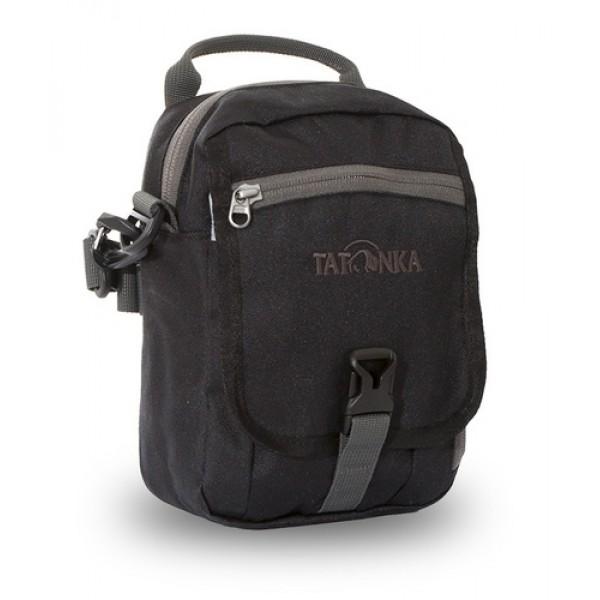 Сумка Tatonka Check In Clip blackИдеальная сумочка для хранения документов и полезных мелочей в путешествии. Сумочка Check In Clip , которую можно носить как на плече, так и на поясе, располагает большим основным отделением с двумя молниями , множеством кармашков и мини-органайзером. Крышка-клапан фиксируется фастексом.<br><br><br>петли для переноски на поясе<br><br>съемный плечевой ремень<br><br>ручка для переноски<br><br>удобный органайзер<br><br>множество продуманных отделений<br><br>прочный материал<br><br>фирменный логотип<br><br>Вес кг: 0.24000000