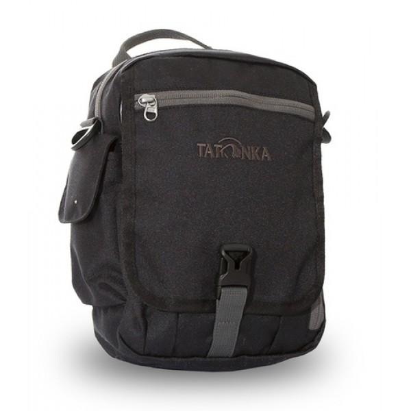 Сумка Tatonka Check In XT Clip blackИдеальная сумочка для хранения документов и полезных мелочей в путешествии. Check In XT Clip , которую можно носить как на плече, так и на поясе, располагает большим основным отделением с двумя молниями , множеством кармашков и мини-органайзером. Крышка-клапан фиксируется фастексом.<br><br><br>петли для переноски на поясе<br><br>съемный плечевой ремень<br><br>ручка для переноски<br><br>органайзер<br><br>множество продуманных отделений<br><br>прочный материал<br><br>фирменный логотип<br><br>Вес кг: 0.27000000