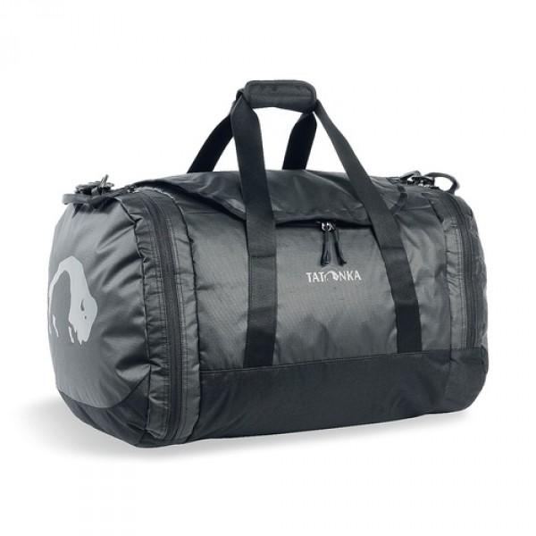Сумка Tatonka Travel Duffle M blackСумка Trevl Duffle легко складывается в свой боковой карман, становится плоской и таким образом она компактно размещается в любом багаже. Сумка оснащена прочными ручками в центральной части и длинной ручкой на плечо. По бокам расположены два просторных кармана. При своем объеме в 45 литров сумка достаточно легкая (680г), но при это чрезвычайно прочная.<br><br><br>Съемная ручка через плечо<br><br>Боковые ручки<br><br>Во внутренней части - карман на молнии<br><br>Два боковых кармана на молнии<br><br>Крючок для ключей в боковом кармане<br><br>Возможность компактно сложить сумку<br><br>Размер в сложенном виде 32x33x7 см<br><br>Вес кг: 0.70000000