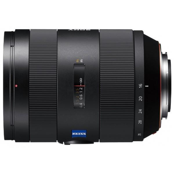 Объектив Sony Carl Zeiss Vario-Sonnar T*16-35mm f/2.8 ZA SSM II (SAL-1635Z2)Широкоугольный зум-объектив для реалистичной прорисовки мельчайших деталей. Усовершенствованная версия признанного за свое качество зум-объектива ZEISS Vario-Sonnar T* 16-35 мм F2.8 получает более мощные характеристики. Отличная детализация и уровень контрастности в сочетании с сверхширокоугольным диапазоном фокусных расстояний обеспечивает большой выбор ракурсов и динамической перспективы. В новой версии объектива сокращается уровень паразитных изображений, алгоритм обработки данных с объектива улучшен для более быстрого отслеживания, и в дополнение объектив имеет защиту от пыли и влаги.<br><br>Вес кг: 1.00000000