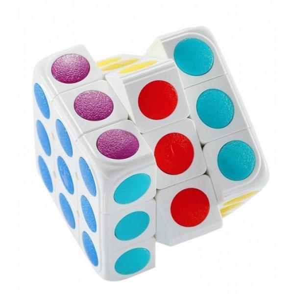 Кубик Рубика Roobo Cube-TasticКубик Рубика с элементами дополненной реальности для детей. Работает совместно с приложением, которое можно скачать бесплатно на Google Play и в App Store. Кубик сканируется, после чего появляется на экране в точности такой же, как у Вас в руке. Приложение пошагово расскажет, как собрать Кубик, а также обучит основным принципам сборки. Игра подойдет как для новичков, так и для продвинутых пользователей.<br>