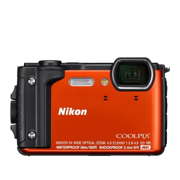 Фотоаппарат Nikon Coolpix W300 компактныйNikon Coolpix W300 обладает водонепроницаемостью на глубине до 30 метров без специального бокса, ударопрочностью при падении с высоты до 2,4 м, морозостойкостью при температурах до -10°C, а также пыленепроницаемостью.<br><br>Nikon Coolpix W300 оснащается 16-мегапиксельным CMOS-сенсором, широкоугольным объективом с 5-кратным оптическим зумом, охватывающим фокусные расстояния 24-120 мм в 35-мм эквиваленте, 3-дюймовым дисплеем.<br><br>Камера способна также снимать видео 4K UHD (3840 x 2160 пикселей) на скорости 30 кадров в секунду. Предусмотрена встроенная поддержка NFC, Wi-Fi и GPS.<br><br>Вес кг: 0.30000000