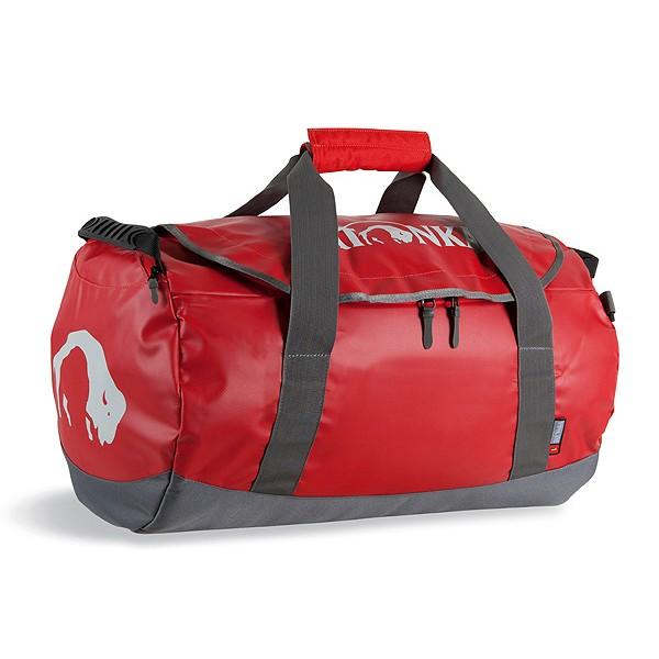 Сумка Tatonka Barrel L redСверхпрочная сумка в спортивном стиле для путешествий. Благодаря комбинации материалов Textreme и Tarpaulin сумка Barrel обладает исключительной прочностью. Сумка имеет мягкое дно, сетчатый карман под крышкой и широкие и прочные ручки для переноски и специальные убирающиеся ручки для переноски сумки на спине.<br><br><br>особо прочные материалы<br><br>дно с мягкой подкладкой<br><br>сетчатый карман под крышкой<br><br>широкие ручки для переноски<br><br>скрытые плечевые ремни<br><br>табличка<br><br>Вес кг: 1.90000000