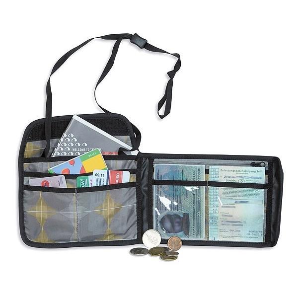 Кошелек Tatonka Travel Wallet blackПрактичный кошелек для путешествий. Кошелек на липучке с множеством отделенй и ремешком, чтобы носить на шее.<br><br>Ремешок.<br>Отделение на молнии.<br>Отделение для мелочи.<br>Прозрачное отделение.<br>Петля для крепления на пояс.<br><br>Вес кг: 0.10000000