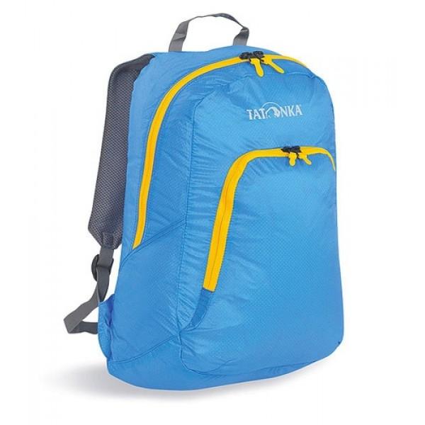 Рюкзак Tatonka Squeezy bright blueУнивесальный складной сверхлегкий рюкзак. Oснащен мягкими лямками, обтянутыми сеточкой и накладным карманом на молнии с держателем ключей. Squeezy изготовлен из очень легкого материала T-Rip Light с силиконовым покрытием и складывается во внутренний карман, превращаясь в аккуратную сумочку размером 13х14х5 см. При этом рюкзак имеет приличный объем и вполне комфортабелен при переноске.<br><br>Вес кг: 0.30000000