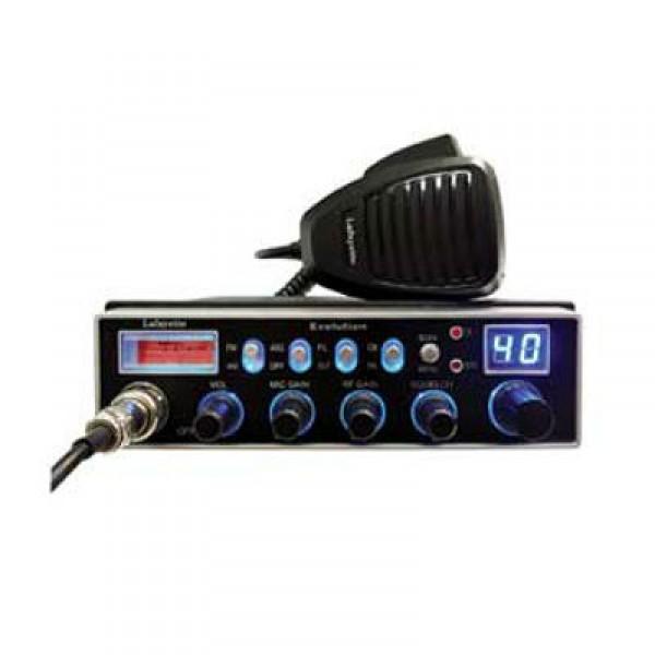 Радиостанция Yosan EvolutionYosan Evolution - новая Си-Би радиостанция с большим функционалом. Рация работает с 255 каналами, номер канала отображается на небольшом экране с подсветкой, для более удобного использования в темное время суток. Дисплей имеет несколько вариантов подсветки и уровня яркости. Для отображения уровня принимаемого сигнала в данной модели используется стрелочный S/RF метр. Рация оснащена регуляторами чувствительности для микрофона и приемника. Шумоподавитель работает в автоматическом режим, включается при помощи нажатия всего лишь одной клавиши.<br><br>Индикация об неисправности антенны или при неправильном подключении<br>Возможность переключения каналов при помощи гарнитуры<br>Возможность использовать дополнительный внешний микрофон<br><br>Вес кг: 1.20000000