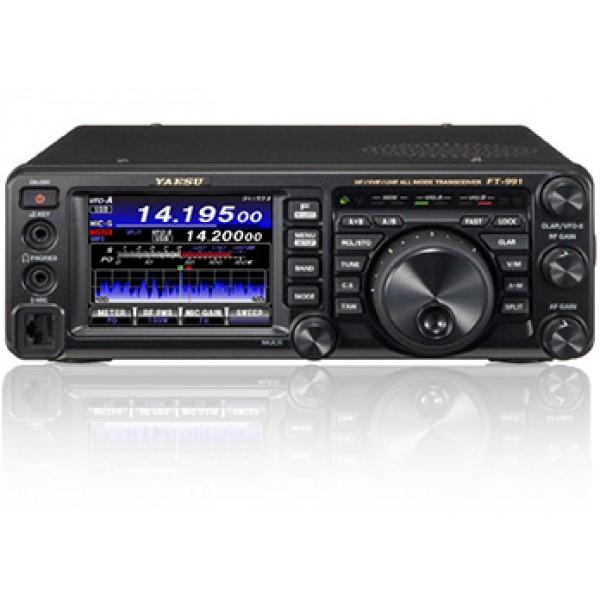 Трансивер Yaesu FT-991Yaesu FT-991 — любительский кв-трансивер Yaesu с регулируемой мощностью и диапазонами КВ, UHF и VHF (только любительские), в том числе 50 МГц. В функционал трансивера входит анализатор спектра (высокоскоростной, с автоматическим контролем), C4FM Digital, двойное и тройное преобразование (SSB/CW/AM и FM/C4FM). Для улучшения качества передачи трансивера также присутствует руфинг-фильтр, CONTOUR, IF Notch, DNR и APF-фильтры. Подавление помех от иных радиостанций осуществляется с помощью IF WIDTH и IF SHIFT.<br><br>В комплект возможностей кв-трансивера Yaesu FT-991 входит кроме того антенный тюнер, высокоточный TCXO, CW автоответчик, автопереключение репитера. Корпус кв-трансивера снабжен сенсорной панелью, USB-разъемом, двумя антенными разъемами.<br><br>Вес кг: 4.40000000
