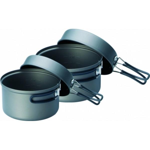 Набор посуды Kovea KSK-SOLO3 туристическийТуристический набор легкой походной посуды из анодированного алюминия, рассчитанный на 1 - 2 человек. Набор состоит из двух котелков объемом 1.2 литра и 0.8 литра. Анодированный алюминий обладает повышенной теплопроводностью, в связи с чем пища готовится значительно быстрее. Материал так же показывает прекрасную устойчивость перед окислением, даже во время длительной эксплуатации.В комплекте к набору посуды сразу поставляется газовая горелка TKB-0707 Supalite Titanium, которая работает от баллонов Kovea резьбового стандарта. Для подключения цанговых баллонов Kovea KGF-0220 потребуется специальный шланг-переходник KA-0103 Cobra.<br><br>Вес кг: 0.70000000