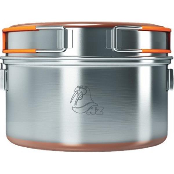 Кастрюля 0,9л NZ SS-009 (нерж.)Кастрюля 0,9 литров для приготовлении приищи на примусах и горелках. Ручка у кастрюли металлическая и её возможно можно подвешивать над костром. Имеется крышка/сковородка, в которой можно подогреть еду, например. Дно кастрюли и сковородки для лучшей теплопроводности покрыто медным напылением. Из 3х кастрюль SS-009, SS-010, SS-011 Вы можете собрать компактный набор, в котором три кастрюли сложатся одна в другую, в большую кастрюлю.<br><br>Вес кг: 0.40000000