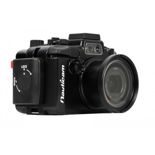 """Nauticam Подводный бокс для Sony RX100 IIIКамера Sony Cyber-shot DSC-RX100 III является третьей улучшенной версией в линейке RX100 с больших сенсором Sony. Серия камер RX100 стала очень популярной у энтузиастов подводного фото и видео за счет отличного качества изображения и удобства использования, при компактных габаритах.  Камера RX-100 III является более продвинутым исполнением этой модели, с улучшенным объективом, всплывающим видоискателем, встроенным фильтром нейтральной плотности и многими другими интересными отличиями. RX-100III обладает 20-мегапиксельной матрицей с сенсором 1"""" CMOS, также камера получила обновленный процессор обработки изображений под названием Bionz X. Качество изображения просто исключительное. Приятная для подводников новость относительно объектива, - эквивалентеные фокусные расстояния 24-70мм, с диафрагмой от f/1.8 до f/2.8, со значительно более быстрым мотором, чем у камеры RX-100 II. Объектив позволяетт не только добиться улучшенной четкости и глубины изображения, но и быстрее фокусироваться. Минимальная дистанция фокусировки также сокращена, по сравнению с предшественником, это означает что съемка маленьких объектов становится доступной и без использования диоптрийных линз.<br>Монитор дисплея  3"""" TFT-LCD , изготовлен с ипсользованием новой технологии, которую Sony называет """"Белая магия"""", она добавляет белый суб-пиксель в нормальную зону RGB, что обеспечивает более яркий экран при ярком солнечном свете и при этом уменьшает потребление энергии. Камера оснащена поворотным дисплеем, который можно развернуть на 180-градусов для снимков «селфи». Цифровой видоискатель представляет собой небольшое всплывающее окно с левой стороны камеры. Разрешение 1,4 млн точек, хотя сам экран довольно небольшой.  В то время как на поверхности его использование оптимально, особенно на ярком свете за счет малого размера и небольшого (0,59Х) увеличения, под водой он становится практически бесполезным. Лучшим решением является использование в качестве видоискат"""