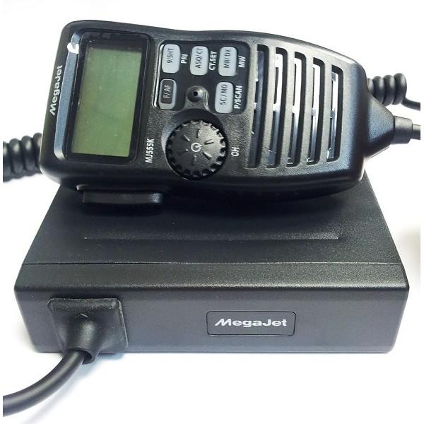 Радиостанция Megajet MJ-555K автомобильнаяАвтомобильная радиостанция MegaJet MJ-555K работает в Российской и Европейской частотных сетках. В рацию megajet mj-555k встроен автоматический шумоподавитель. Система подавления шумов превосходно фильтрует помехи.<br><br>Радиостанция мегаджет 555к удобна в использование. Все управление сделано на тангенте: дисплей, программируемые кнопки, а на основном блоке трансивера расположены разъемы для антенны, внешнего громкоговорителя и тангенты.<br><br>Вес кг: 0.90000000