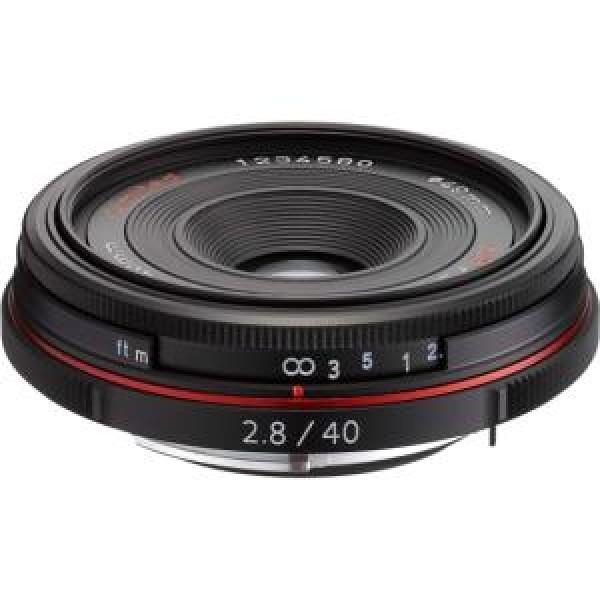 Объектив Pentax DA 40мм f/2.8 Limited HDОбъектив серии Limited с фокусным расстоянием 40 мм (для цифровых зеркальных камер эквивалентное фокусное расстояние составляет 61мм) разработан специально для цифровых зеркальных фотокамер PENTAX. HD PENTAX-DA 40 мм f/2.8 подходит практически для любого вида съемок: жанровая или студийная, портрет или пейзаж.<br><br>Вес кг: 0.10000000