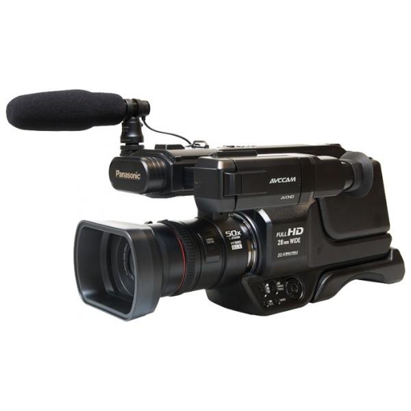 Видеокамера Panasonic AG-AC8EJВидеокамера с 21x зумом,запись видео Full HD 1080p на карты памяти, <br>матрица 4.14 МП (1/4.5), <br>карты памяти SD, SDHC, SDXC, <br>оптический стабилизатор изображения, <br>вес: 2270 г<br><br>Вес кг: 2.30000000