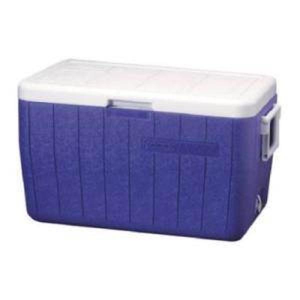 Контейнер изотермический Coleman 48QT Poly-Lite Cooler BlueИзотермический контейнер 45 л (вмещает 9х1,5 л бутылок). Способность сохранять холод - до 32 часов с заментелями льда Freez'Pack®. Крышку можно использовать в качестве столешницы. Дренажное отверстие для конденсата. Удобные рукоятки для переноски. Вес: 4 кг.<br><br>Вес кг: 4.00000000
