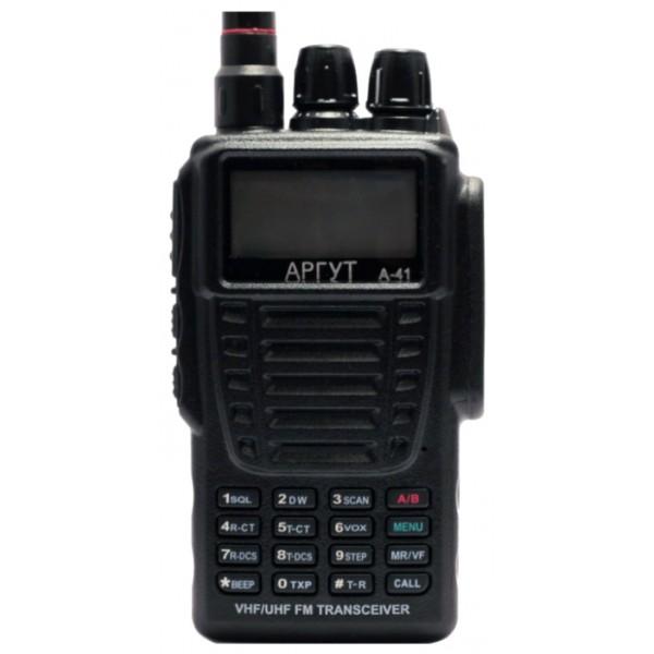 Радиостанция Аргут А-41 new портативнаяУчитывая пожелания многих любителей радиосвязи, нами была разработана и создана обновленная версия Аргут А-41 . Данная аналоговая модель сочетает в себе большой информативный дисплей, а так же наличие двух приёмников, что позволяет всегда оставаться на связи практически с любой радиостанцией VHF и UHF диапазонов. Система меню разработана таким образом, что разобраться с функционалом сможет даже начинающий пользователь. Трансивер выполнен из противоударного пластика и имеет степень защиты IP-66, что позволяет использовать рацию в экстремальных условиях.<br><br>Вес кг: 0.30000000