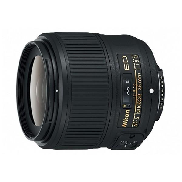 Объектив Nikon 35mm f/1.8G AF-S Nikkorширокоугольный объектив с постоянным ФР, крепление Nikon F, встроенный мотор, автоматическая фокусировка, минимальное расстояние фокусировки 0.25 м, размеры (DхL): 72x71.5 мм, вес: 305 г<br><br>Вес кг: 0.40000000