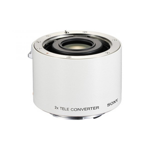 Телеконверт Sony SAL-20TC (SAL 70-200)2-кратный телеконвертор. Высококачественная теленасадка на объектив увеличивает фокусное расстояние до двух раз. Совместима с объективами 70-200 мм F2.8G (SAL-70200G) , 300 мм F2.8 (SAL-300F28G) и с 135 мм F2.8 [T4.5] STF (SAL135F28). Ручная фокусировка только с этим объективом.<br>