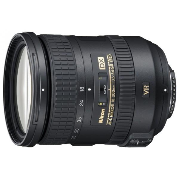 Объектив Nikon 18-200mm f/3.5-5.6G ED AF-S VR II DX Zoom-NikkorОбъектив NIKKOR 18-200/3.5-5.6 AF-S DX VR II G IF-ED стандартный Zoom-объектив, крепление Nikon F, для неполнокрадровых фотоаппаратов, встроенный стабилизатор изображения, автоматическая фокусировка, минимальное расстояние фокусировки 0.5 м, размеры (DхL): 77x96.5 мм<br><br>Вес кг: 0.60000000