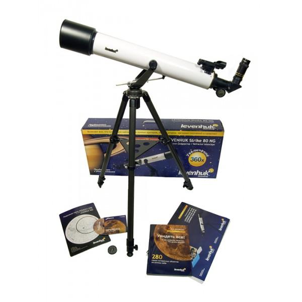 Телескоп Levenhuk Strike 80 NGСтаршая модель серии Levenhuk Strike 80 NG, которая отличается большими оптическими возможностями. Это рефрактор-ахромат на легкой азимутальной монтировке, который хорошо подойдет для начинающих любителей астрономии любого возраста. Благодаря не имеющей аналогов богатой комплектации, включающей все необходимое для проведения наблюдений, будет отличным подарком для любознательного подростка. В этот телескоп можно рассмотреть множество деталей на лунной поверхности (кратеры и другие детали поверхности крупнее 5 километров), кольца Сатурна, облачные пояса и спутники Юпитера, фазы Венеры, яркие кометы, туманности и галактики, множество двойных и кратных звезд, звездных скоплений и других интересных объектов.<br>