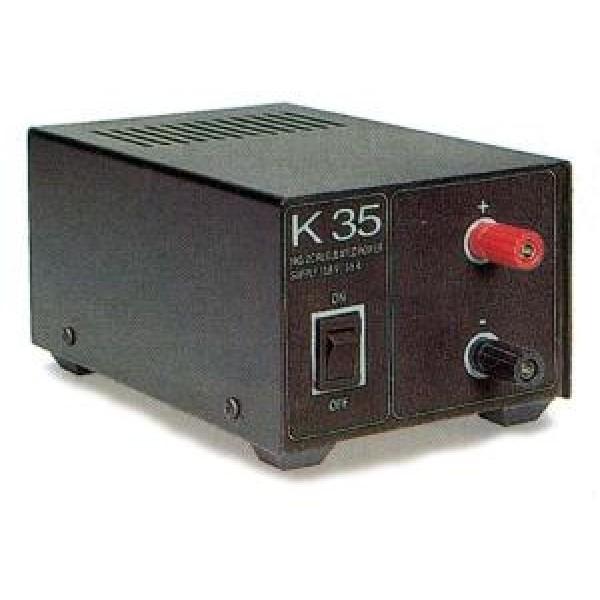 Блок питания Alan K-35 13,8В 2АБлок питания Alan K-35 трансформаторный. Входное напряжение AC 210-230 Вольт. Выходное стабилизированное напряжение у Алан 35 13,8 Вольт. Ток номинальный 2 Ампер, максимальный 3 Ампер. У Alam k35 имеется защита от короткого замыкания и от перегрева. Блок питания Алан 35 имеет добротный прочный корпус. Лаконичный дизайн является его достоинством. Ничего лишнего. Лампочка выключателя в темноте светится успокаивающим зеленым цветом. Подходящий вариант для стационарного использования.<br><br>Вес кг: 1.60000000