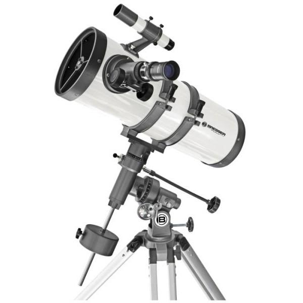 Телескоп Bresser Pollux 150/1400 EQ2Телескоп Bresser Pollux 150/1400 EQ2 – это рефлектор Ньютона, оснащенный встроенной линзой Барлоу. Поэтому при его большом фокусном расстоянии (1400 мм) длина трубы остается достаточно короткой и удобной для транспортировки. Телескоп можно смело назвать универсальным инструментом – благодаря апертуре в 150 мм, он собирает достаточное количество света, чтобы можно было наблюдать множество слабых объектов неба – туманностей, звездных скоплений и галактик. В то же время, с Bresser Pollux Вы также сможете наблюдать планеты Солнечной системы, яркие кометы и звезды до 13 звездной величины, в том числе двойные. Максимально полезное увеличение телескопа составляет 300 крат.<br><br>Вес кг: 15.10000000