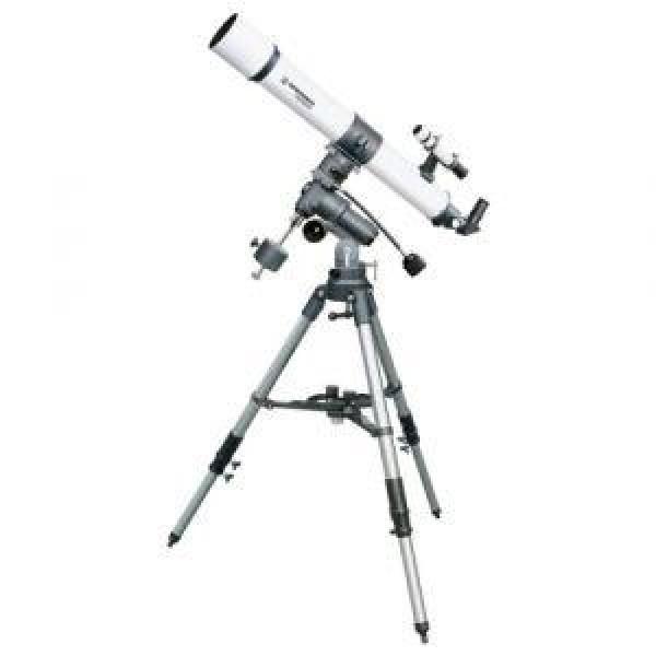 Телескоп Bresser Taurus 900x90 NGТелескоп-рефрактор BRESSER Taurus 900x90 - хорошая модель для  начинающих астрономов. Диафрагма в 90 мм обеспечивает света в 200 раз  больше, чем при наблюдениях невооруженным глазом! Вы сможете наблюдать  мельчайшие детали поверхности Луны (кратеры, долины и впадины), кольца  Сатурна, гигантские торнадо Юпитера, смену сезонов на Марсе и серп  Венеры. Телескоп подходит для обзорных экскурсий по небу, изучения  газовых туманностей, переменных звезд. Многослойное просветляющее  покрытие оптики и использование ахроматических линз гарантируют яркое и  контрастное изображение высокой четкости. Монтировка телескопа жесткая и устойчивая. Привод ручной, есть  возможность установки моторных приводов по обеим осям. Фокусировка  осуществляется мягко, узел фокусировки имеет плавный ход, что  обеспечивает  комфортное наблюдение при любом увеличении. Настройка  монтировки осуществляется в экваториальной системе координат.  Конструкция монтировки позволяет ее использовать практически с любым  телескопом, в том числе и с самодельной навесной аппаратурой.<br><br>Вес кг: 20.50000000