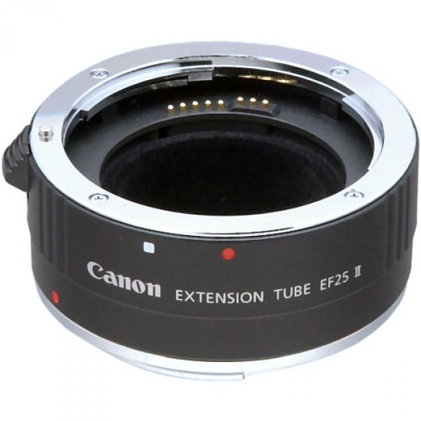 Объектив Canon Extension Tube EF 25 IIЛинзы: Макрокольца<br><br><br> Многих объективов, как вы сосредоточены ближе, расстояние  объектива увеличивается. Или, говоря иначе, объектив перемещается в  сторону от камеры, как объект переместился ближе к объективу. (Некоторые  объективы имеют свойство, называемое внутренняя фокусировка. Здесь,  элементы двигаться назад и вперед в пределах ствол, но длина объектива  не изменяется.) <br> Минимальное расстояние фокусировки достигнута, когда  объектив выдвинут, как далеко, как она пойдет. Это расстояние  фокусировки значительно отличается от линзы объектива, от 0, 2м для  EF15mm, 14m для EF1,200мм. Но масштаб данной теме (на самом деле  уменьшение) остается в узком диапазоне, примерно от 0,1 до 0.3x. <br> Почему объективы остановить расширение? Отчасти потому, что  это дополнительные затраты на разработку и производство объективы с  более расширений; отчасти потому, что трудно дизайн объектива, что дает  высокие результаты производительности в широком диапазоне фокусных  расстояний. <br>Макрообъективы<br> Однако существуют и такие линзы. В EF100mm, EF180mm и  EF-S60mm макрообъективов сосредоточиться на всем пути от бесконечности  вниз на расстояние, которое дает 1x (в натуральную величину) увеличения.  Если вы используете эти линзы, вы увидите, что длина существенно  меняется от одного конца диапазон фокусировки для других. (Существует  также EF50mm Макро-объектив, но это требует использования life-size  converter, чтобы дать жизнь-размер увеличения.) <br>Макрокольца<br> Но вы можете увеличить масштаб линзы, просто переместив его  дальше от камеры. Все, что вам нужно-это расширение трубы. Это  согласуется между камерой и объективом. Нет никаких оптических элементов  внутри трубки - это просто устройство для увеличения объектива  расширение. <br> Canon выпускает трубы в двух различных длин - 12 мм и 25 мм.  В EF12 и EF25 трубы поставляются с электрическим контактам, которые  позволяют передавать данные между объективом и камеро