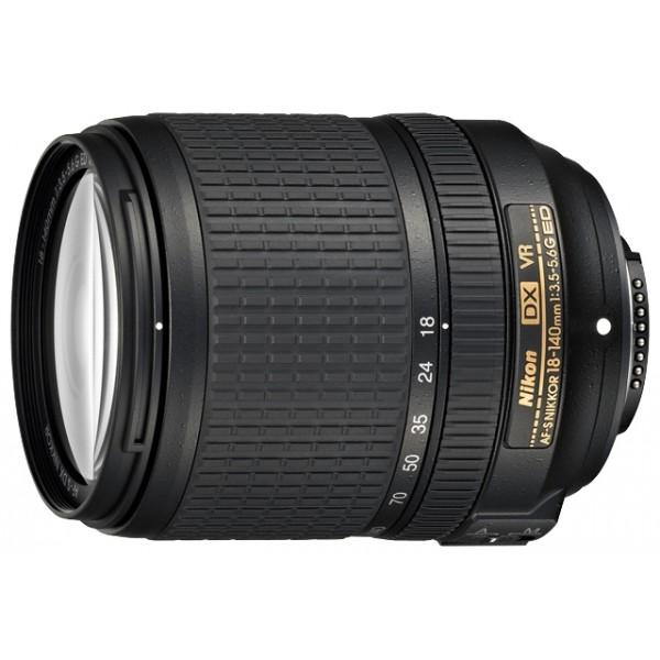 Объектив Nikon 18-140mm f/3.5-5.6G ED VRстандартный Zoom-объектив, крепление Nikon F, для неполнокадровых фотоаппаратов, встроенный стабилизатор изображения, автоматическая фокусировка, минимальное расстояние фокусировки 0.45 м, размеры (DхL): 78x97 мм<br><br>Вес кг: 0.60000000