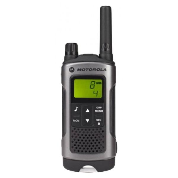 Радиостанция Motorola TLKR T80Простые в эксплуатации рации TLKR T80 с высокими техническими характеристиками гарантируют надежную эксплуатацию в сложных условиях. Многофункциональность радиостанции вкупе с радиусом действия до 10 км*, а также встроенный светодиодный фонарь и брызгозащищённый корпус сделают TLKR T80 исключительно удобной для связи.<br><br>Вес кг: 0.20000000