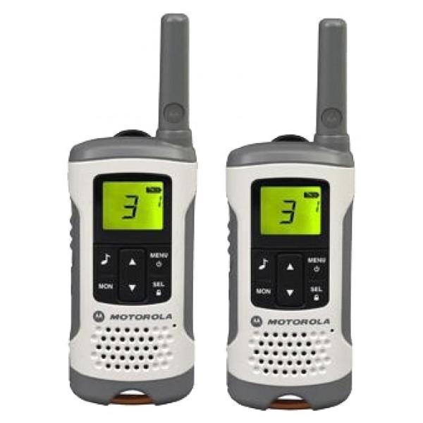 Радиостанция Motorola TLKR T50любительские PMR рации, просты в управлении, продаются парами. Рация имеет защищенный корпус, разъемы имеют резиновые заглушки. Ориентировочное время работы, без подзарядки элемента питания, составляет ~16 часов.<br><br>Вес кг: 0.20000000